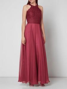 Różowa sukienka Luxuar z szyfonu