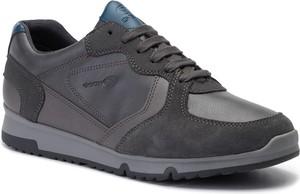 Brązowe buty sportowe Geox ze skóry ekologicznej w sportowym stylu
