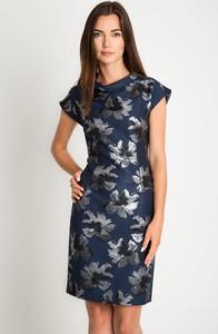 Sukienka QUIOSQUE mini z krótkim rękawem prosta