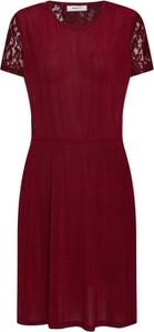 Czerwona sukienka Moves