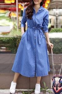Niebieska sukienka IVET w stylu casual koszulowa z kołnierzykiem