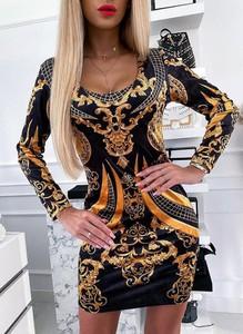 Sukienka Sandbella mini dopasowana z długim rękawem