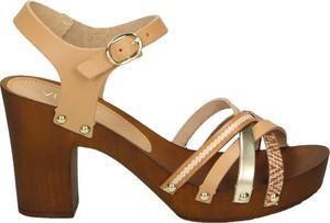 Brązowe sandały Venezia z klamrami ze skóry na obcasie