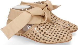 Sandały Melvin & Hamilton sznurowane w stylu casual z płaską podeszwą