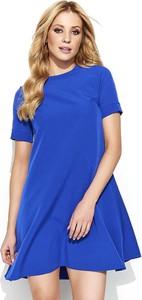 Niebieska sukienka Makadamia z krótkim rękawem z okrągłym dekoltem