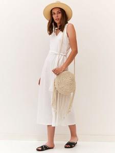 Sukienka Top Secret w stylu casual z dekoltem w kształcie litery v