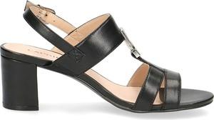 Sandały Caprice na średnim obcasie z klamrami ze skóry