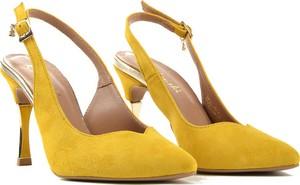 Żółte sandały R.Polański z klamrami