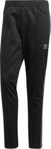 Czarne spodnie sportowe Adidas z dresówki w stylu retro