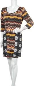Sukienka Bella z okrągłym dekoltem w stylu casual mini