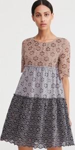 Sukienka Reserved rozkloszowana mini z okrągłym dekoltem