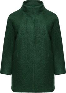 Zielony płaszcz modneduzerozmiary.pl z wełny