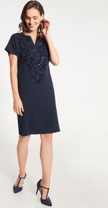Sukienka QUIOSQUE z krótkim rękawem prosta