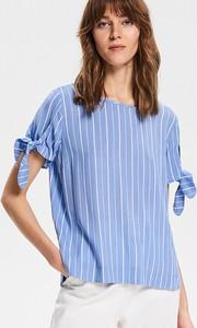 Niebieska bluzka Reserved z okrągłym dekoltem z krótkim rękawem