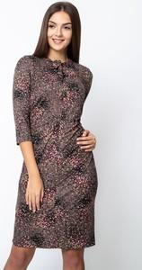 Brązowa sukienka QUIOSQUE w stylu casual z długim rękawem mini