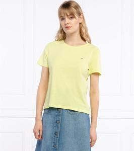 Żółty t-shirt Tommy Jeans w stylu casual z okrągłym dekoltem
