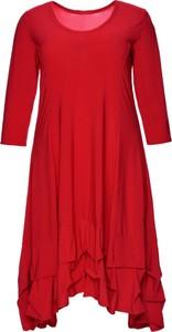 Sukienka modneduzerozmiary.pl asymetryczna z długim rękawem z dzianiny