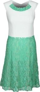 Sukienka Fokus rozkloszowana w stylu glamour