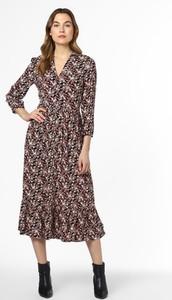 Sukienka Calvin Klein w stylu casual z dekoltem w kształcie litery v rozkloszowana