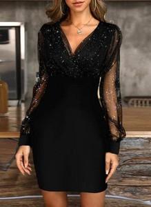Czarna sukienka Cikelly z dekoltem w kształcie litery v mini