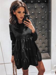 Czarna sukienka magmac.pl z długim rękawem