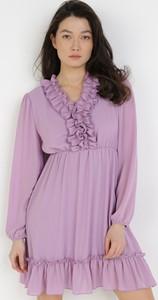 Sukienka born2be mini z dekoltem w kształcie litery v z długim rękawem