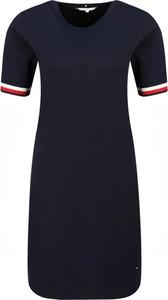 Sukienka Tommy Hilfiger z okrągłym dekoltem z krótkim rękawem