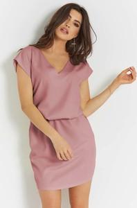 Różowa sukienka Ivon prosta