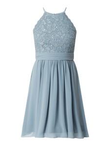 Niebieska sukienka Jake*s Cocktail bez rękawów z szyfonu