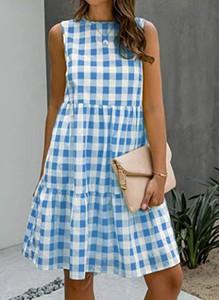Niebieska sukienka Sandbella trapezowa bez rękawów w stylu casual
