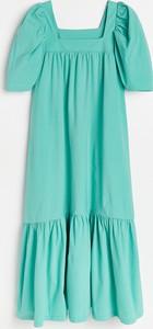 Turkusowa sukienka Reserved z okrągłym dekoltem