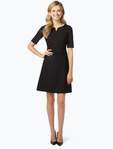 Czarna sukienka Marie Lund z okrągłym dekoltem midi z krótkim rękawem