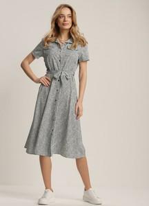 Sukienka Renee midi z krótkim rękawem w stylu casual