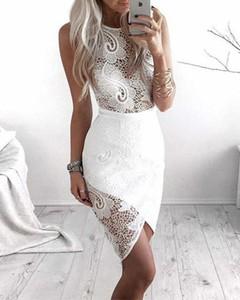 Sukienka Kendallme z okrągłym dekoltem dopasowana