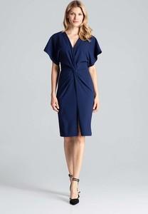 Niebieska sukienka Figl z krótkim rękawem prosta