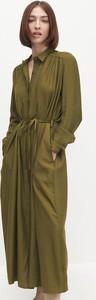 Zielona sukienka Reserved maxi w stylu casual szmizjerka
