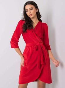 Czerwona sukienka Sheandher.pl z weluru z długim rękawem