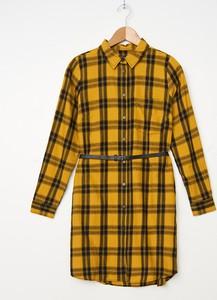 Żółta sukienka House z długim rękawem
