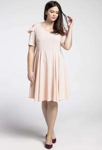 Różowa sukienka Nommo z okrągłym dekoltem z krótkim rękawem