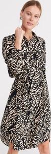 Sukienka Reserved szmizjerka w stylu casual