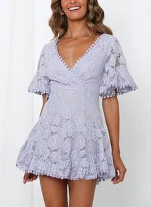 Sukienka Sandbella mini w stylu boho z dekoltem w kształcie litery v