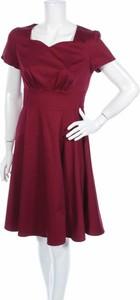 Czerwona sukienka Dress Tells z krótkim rękawem mini rozkloszowana
