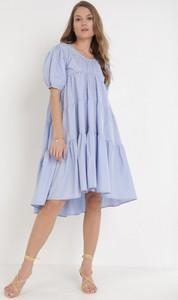 Niebieska sukienka born2be w stylu casual mini oversize