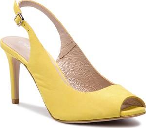 Żółte sandały Gino Rossi z nubuku na średnim obcasie z klamrami