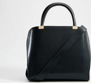 Czarna torebka Mohito do ręki matowa