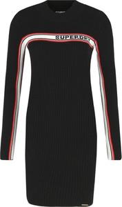Sukienka Superdry z długim rękawem w stylu casual z okrągłym dekoltem