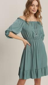 Zielona sukienka Renee z okrągłym dekoltem z długim rękawem