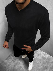 Czarny sweter ozonee.pl w stylu casual