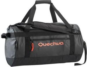 Czarna torba sportowa Quechua