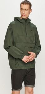 Zielona kurtka Nike Sportswear krótka w sportowym stylu z bawełny